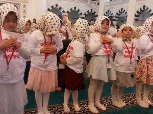 1084 Çocuk 'Namaz Şenliği'nde Buluştu