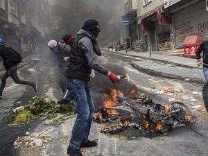 Kurtuluş'ta Molotoflu Saldırı (FOTO)