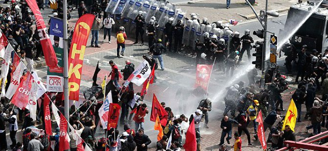 Taksim'e Yürümek İsteyen Gruba Müdahale