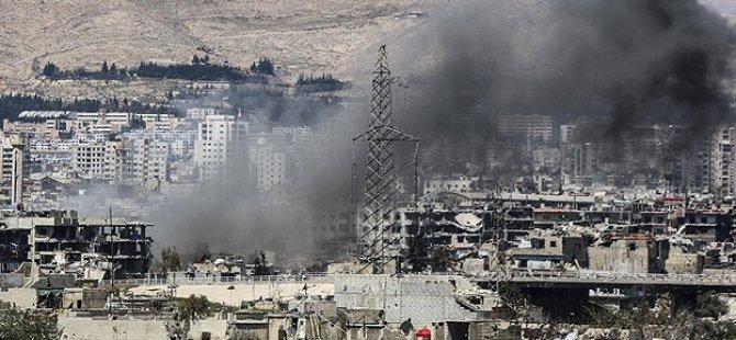 Esed'ten Yermuk Mülteci Kampı'na Bombalı Saldırı