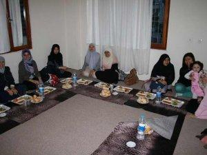 Taylandlı Müslüman Öğrenciler Özgür-Der Antalya'ya Misafir Oldu