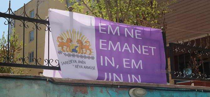 HDP'den Hz. Muhammed Karşıtı Pankart