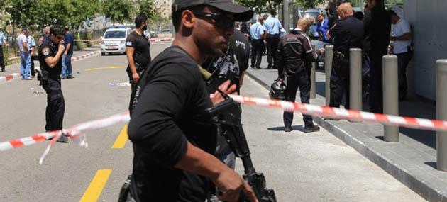İşgalci İsrail Polisi Bir Filistinli Genci Daha Katletti!