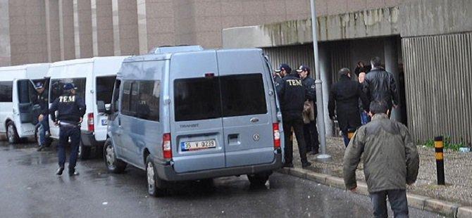"""İzmir'de """"Paralel Yapı"""" Operasyonu: 7 Gözaltı"""