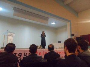 Alparslan Üniversitesi'nden Gençlik Konferansı