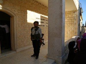 """Suriyeli Hıristiyanlar """"Devrimcilerden Zarar Gelmez"""" Diyor"""