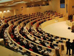 Gürcistan'da Yeni Hükümete Güvenoyu Verildi