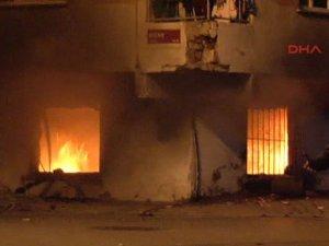 Faşistler Suriyeli Muhacirlerin Kaldığı Binayı Yaktı