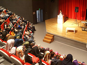 Uludağ Üniversitesi'nde Şiir Gecesi ve Grup Yürüyüş Konseri