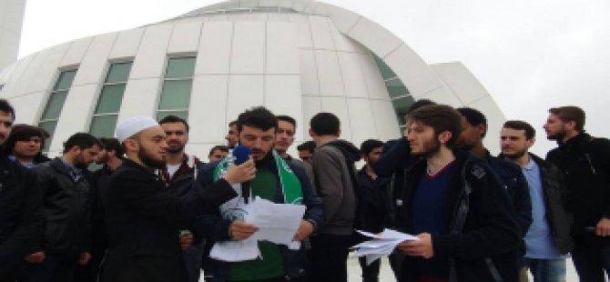 KOÜ'de Medya Ahlaksızlığına Protesto
