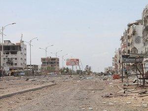 """Husiler """"Aden'in Kalbi""""nde Kontrolü Ele Geçirdi"""