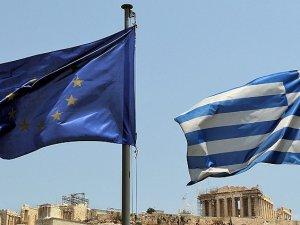 """Acı Reçete"" Yunan Parlamentosundan Geçti"