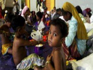 350 Rohingyalı Müslüman Denizde Terk Edildi