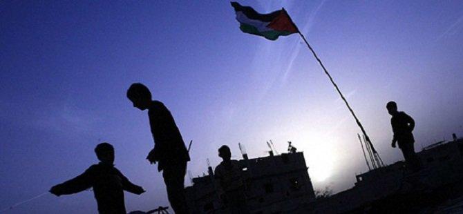 Filistin Mülteci Kamplarında Yaşam Mücadelesi