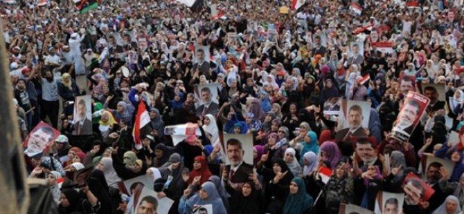 Tahrir Meydanı'ndaki Darbe Karşıtı Gösterilere Müdahale