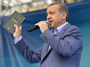 """""""Kendilerine Yeni Kabe Arayanları Kur'an Rahatsız Eder"""""""