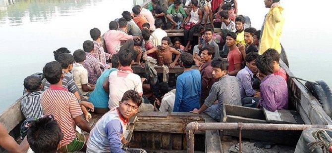"""""""6 Bin Rohingyalı Denize Terk Edilmiş Durumda"""""""