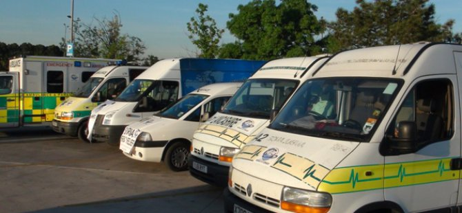 İMKANDER Suriye'ye 5 Ambulans Gönderdi