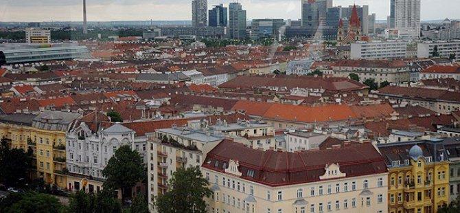 Koskoca(!) Avusturya'da 300 Sığınmacı Sorun Oldu