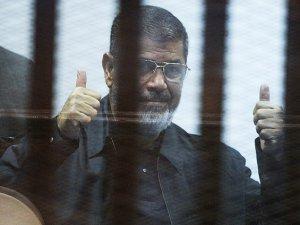 Cezayir Parlamentosu'ndan Mursi İçin Tepki