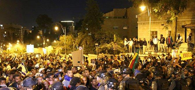 Etiyopya Asıllı Yahudilerin İsrail Protestosu Sürüyor