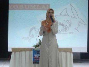 "Çatalca İHL'de ""Müslüman Gençlik"" Konuşuldu"