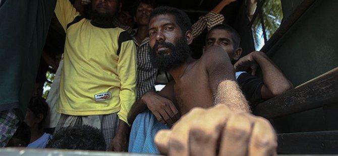 Endonezya Açıklarında 374 Göçmen Kurtarıldı