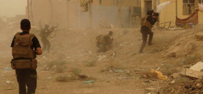 ABD Uçakları Ramadi'yi Vurdu