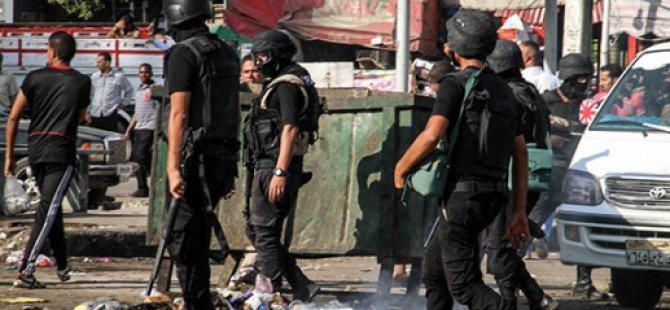 Mısır'da Silahlı Saldırılarda 4 Polis Öldü
