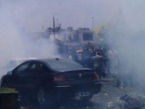 Sisi Protestosuna Polisin Gazlı Müdahalesine Tepki!