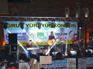 Merzifon'da Coşkulu Grup Yürüyüş Konseri