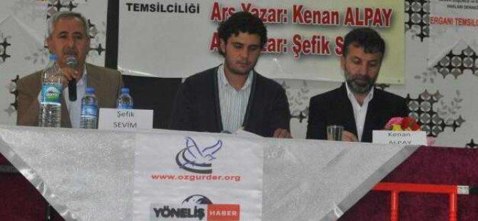 """Ergani'de """"Kur'an-ı Hayata Taşımak"""" Paneli Gerçekleştirildi"""