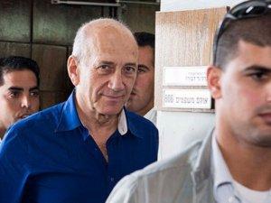 Eski İsrail Başbakanı Olmert'e Hapis Cezası