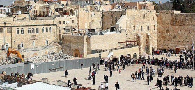 Siyonistler Burak Duvarı'nın Olduğu Bölüme Köprü İnşa Ediyor