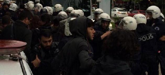 Eskişehir'de Broşür Dağıtan AK Parti'lilere Saldırı