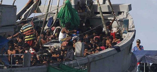 727 Göçmen Bangladeş Yolunda