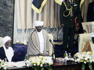 Sudan'da Devlet Başkanı El-Beşir Yemin Etti