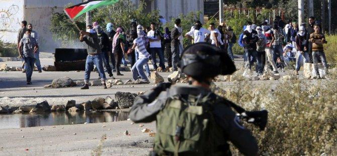 Siyonist İsrail Askerleri Çocukları Gözaltına Aldı