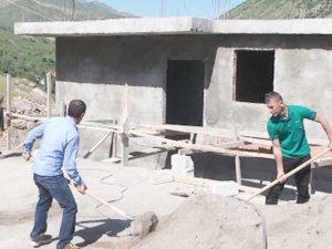 HDP: Camiye Değil Kobané'ye Yardım Gönderin
