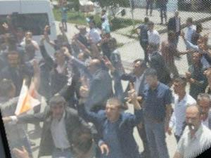 Bitlis'te AK Partililere Bıçaklı Saldırı