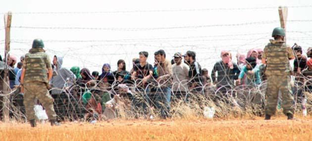 15 Bin Türkmen Akçakale Sınır Kapısına Yürüyor