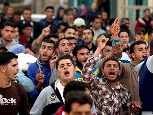 Siyonistler Filistinli 5 Balıkçıyı Gözaltına Aldı