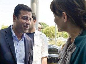 CHP'li Pavey'in Demirtaş Coşkusu: Birlikte İyi Salladık (VİDEO)