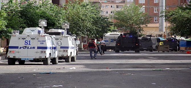 Diyarbakır'da 3 Kişi Gözaltına Alındı