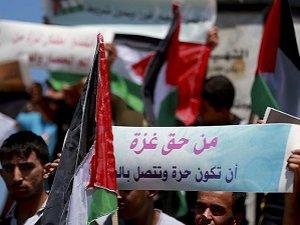 """Hamas'tan """"Marianne"""" Gemisi İçin Gösteri"""