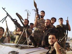 Direnişçiler Suveyda Kentinin Askeri Havaalanına İlerliyor