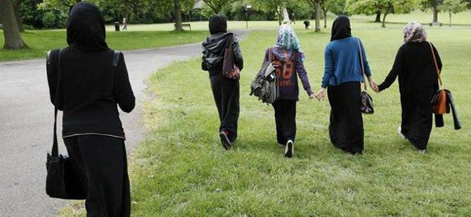 İngiltere'de 4 İlkokulda Oruç Yasağı