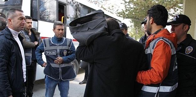 KPSS Soruşturmasında Gözaltı: 13 Öğretmen, 2 TRT Çalışanı