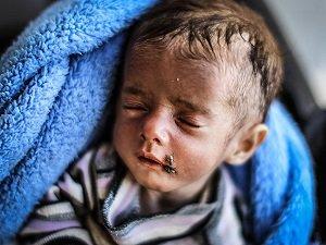Bir Aylık İkizleriyle Türkiye'ye Sığındılar (FOTO)