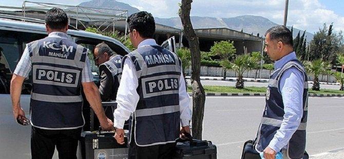 Manisa'daki Operasyonda Belgelere El Konuldu